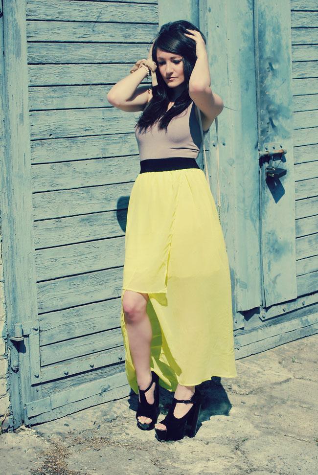 Limonkowa sukienka asymetryczna