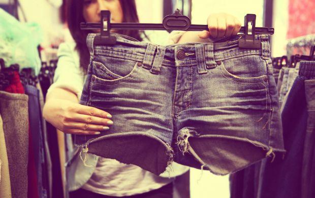 Second hand jeansowe szorty porwane