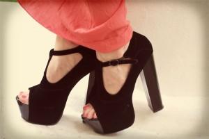 Czarne buty na platformie deezee