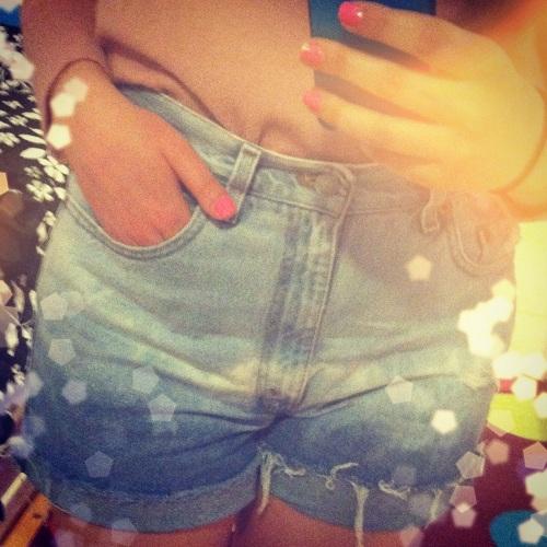 Jeansowe szorty krótkie postrzępione