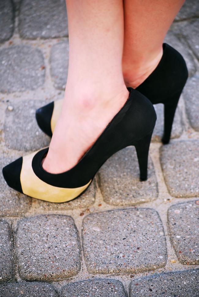Buty szpilki beżowo czarne