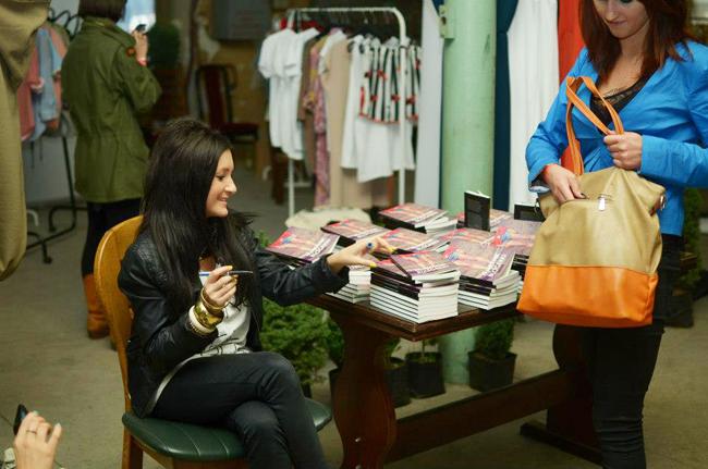 """Spotkanie z Joanną Szczepaniak promocja książki """"Pamiętnik Modowej Blogerki"""""""