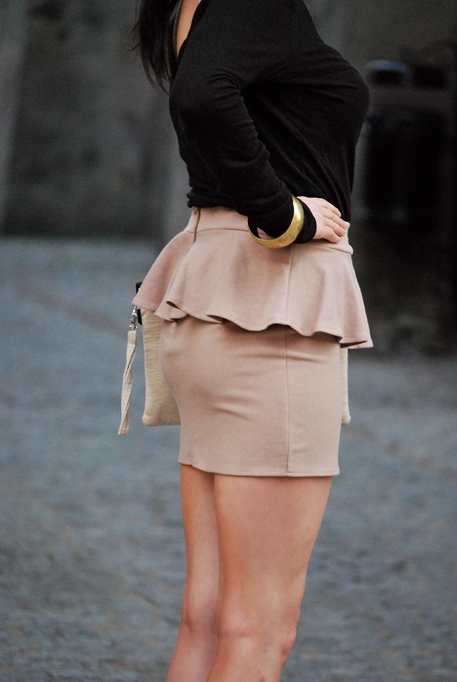 Spódnica z baskinką beżowa