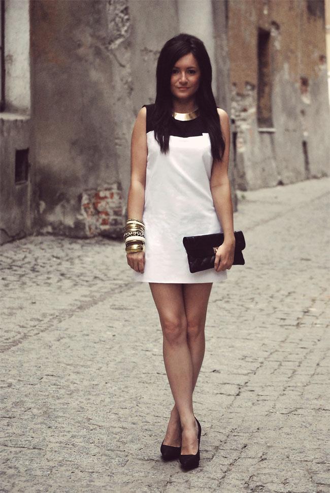 Sukienka ala Twiggy czarno-biała elegancka