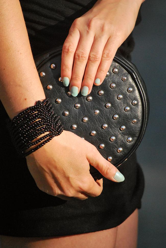 Torebka H&M czarna z ćwiekami - Must Have Fashion Blog o modzie