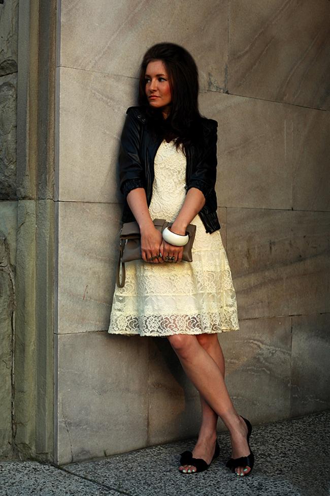 Kurtka ramoneska czarna i koronkowa sukienka