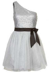 Sukienka koktajlowa srebrna na jedno ramię
