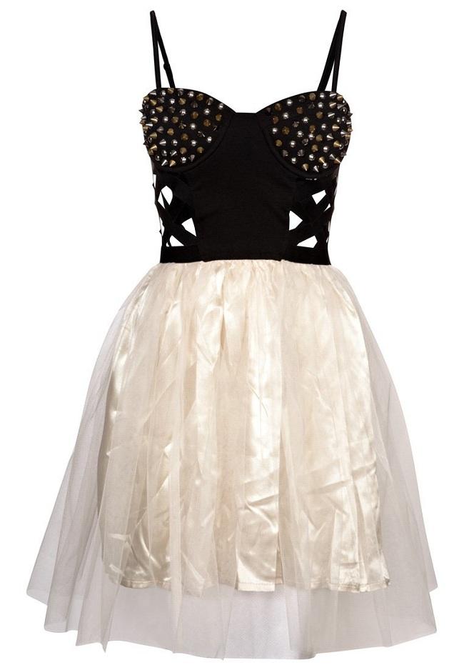 Sukienka z ćwiekami
