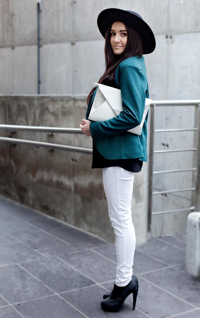 Białe rurki ZARA