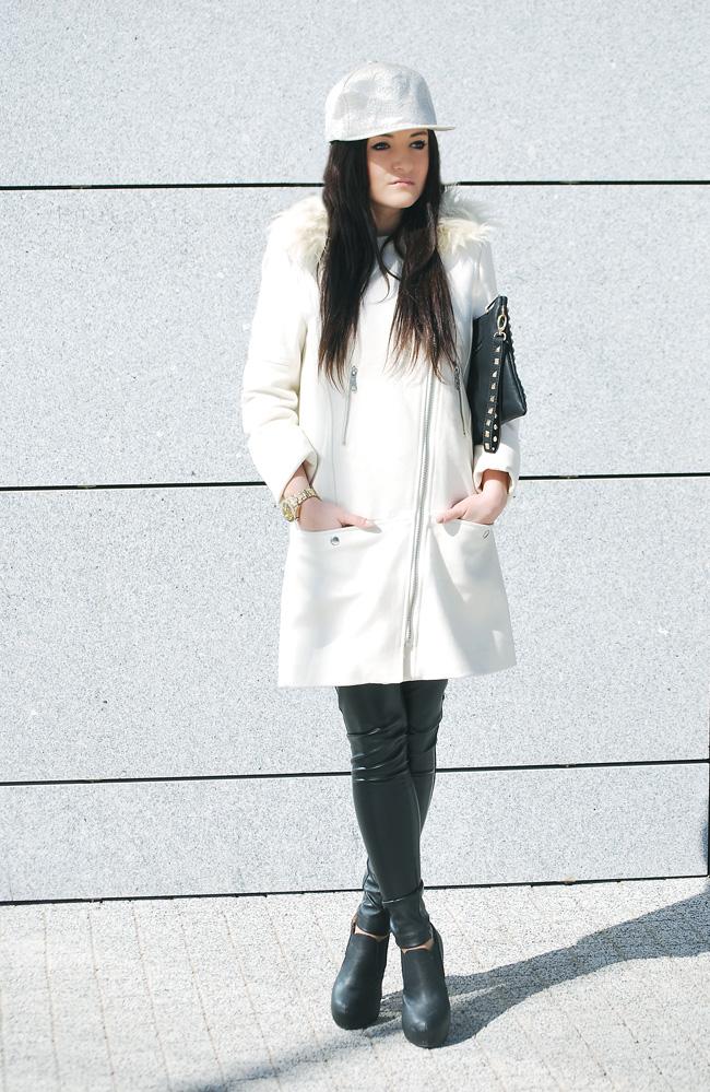 Biały płaszcz H&M