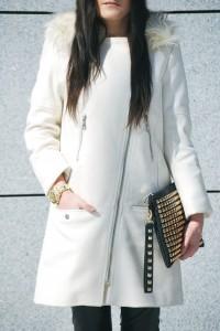Biały płaszczyka