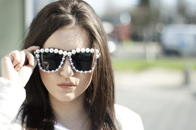 Okulary z perłowymi oprawkami