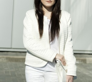Pikowana kurtka biała