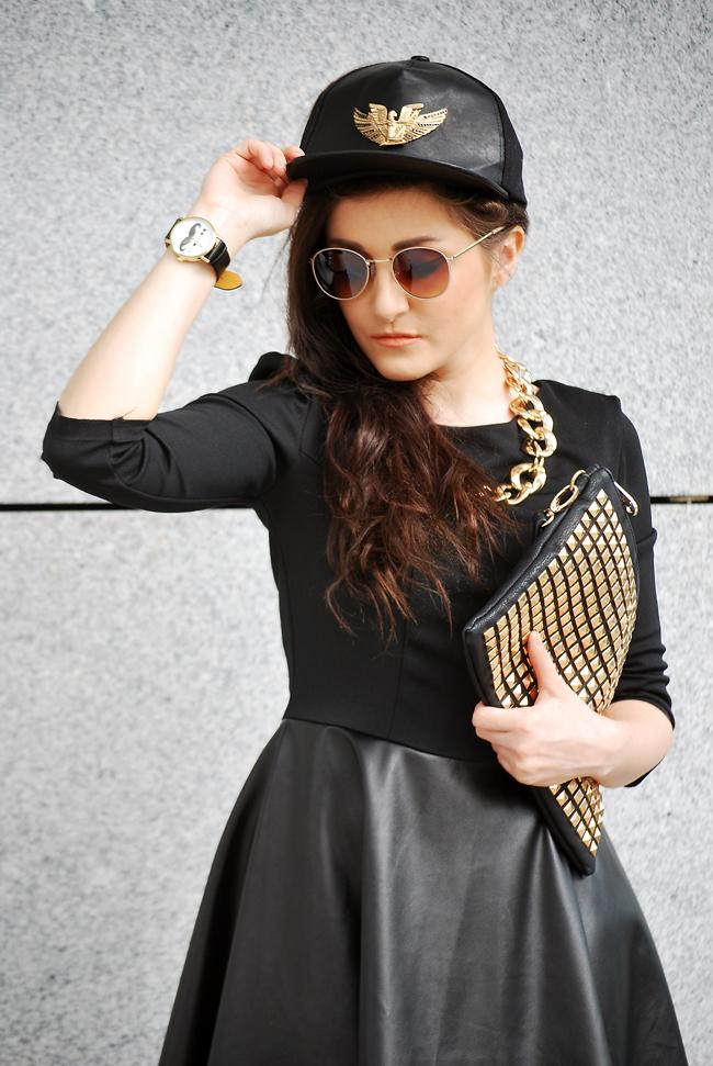 czarna sukienka skórzana