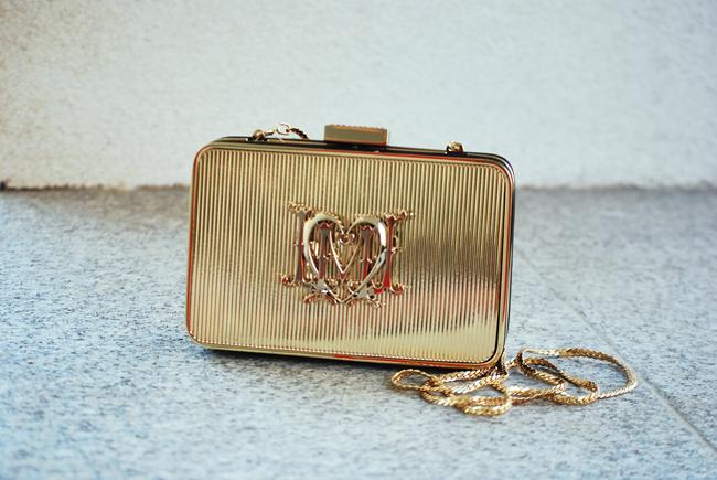 Love Moschino złota toreba na łańcuszku