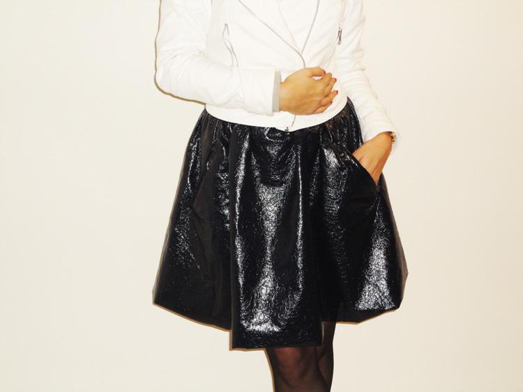 czarna lakierowana spódnica