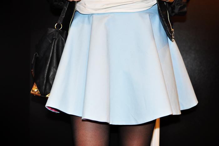 Błękitna spódnica