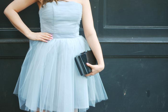 Sukienka z tiulu