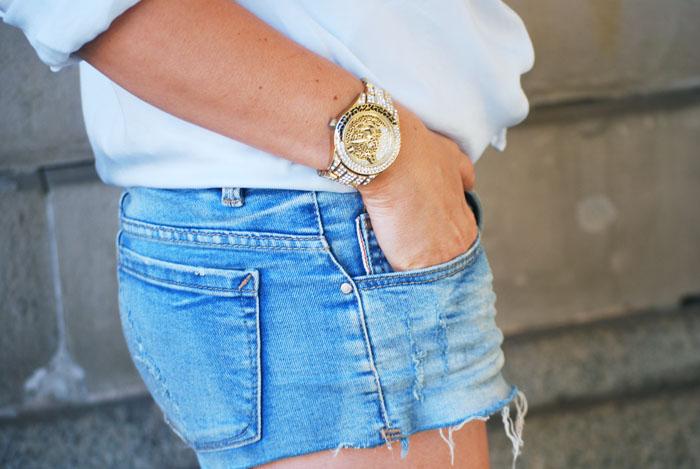 Złoty zegarek z tygrysem