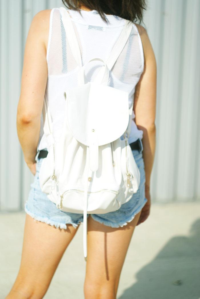 biały plecak damski