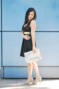 Sukienka czarna rozkloszowana
