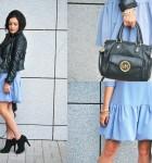 Niebieska sukienka z falbaną i czarna rockowa ramoneska