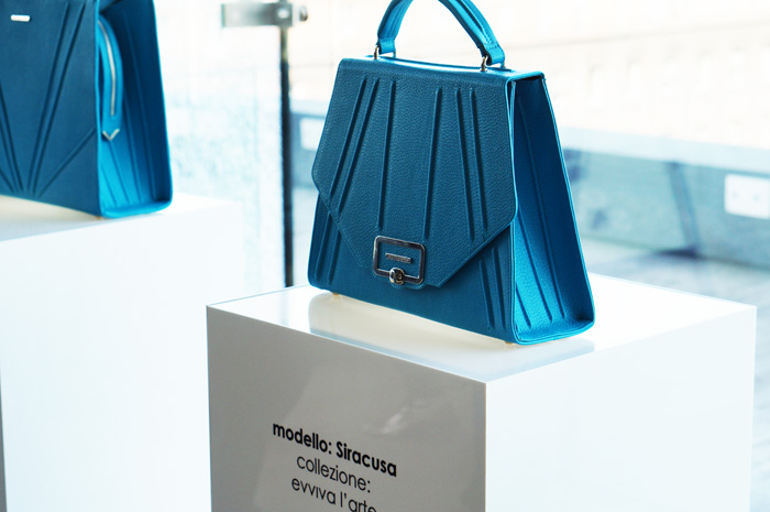 sabrina pilewicz torebka niebieska