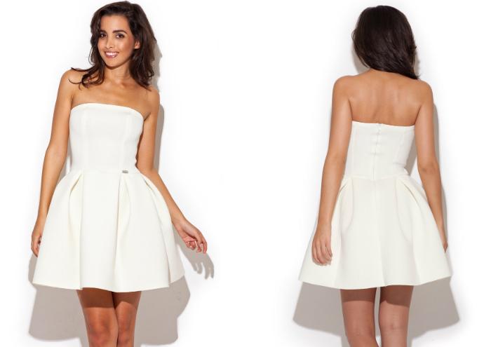 biała sukienka rozkloszowana
