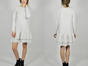 szara sukienka dresowa falbana
