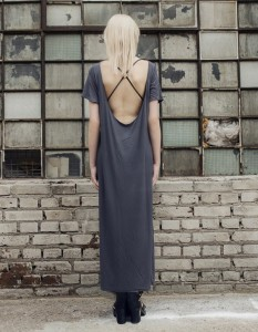 szara sukienka maxi