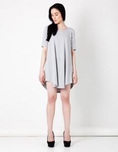 szara sukienka z dresu