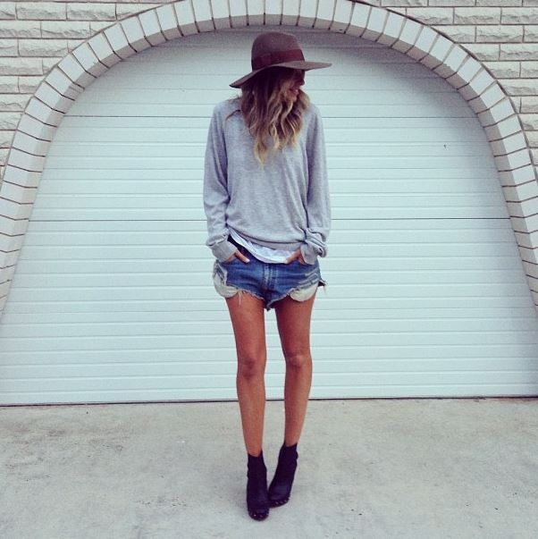 Citizen-Hems-Elle-Ferguson-denim-cutoffs-loose-grey-sweater-felt-hat
