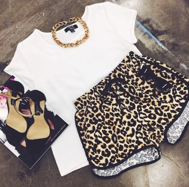 zephr9-l-610x610-shorts-rihnna-hot-sexy-cute-joggers-sport-nike-dope-swag-booty+shorts-leopard+print-shoes-riri-jewels-t+shirt-s
