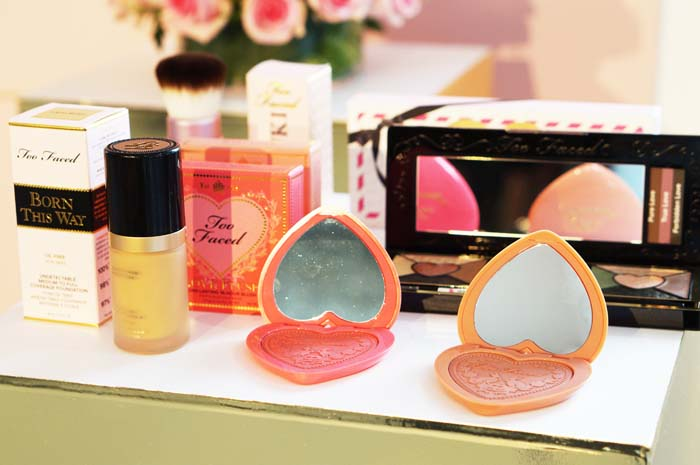róż do policzków too faced