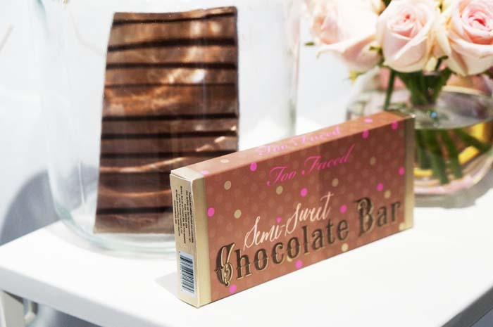 semi sweet choccolate bar too faced