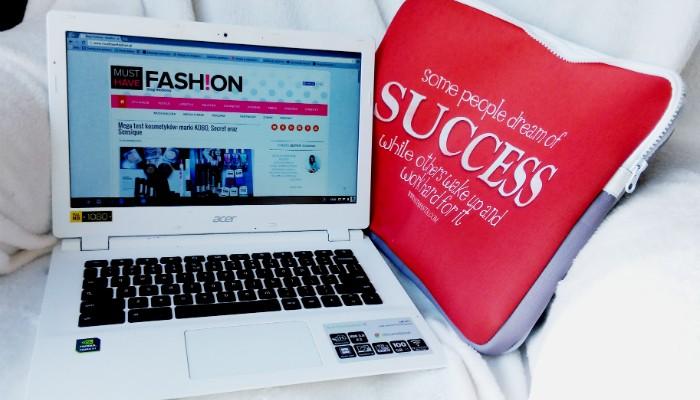 etui na laptopa modne
