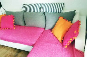 kolorowa sofa