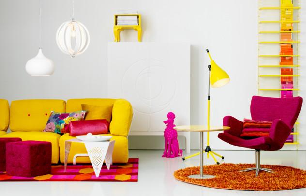 kolorowa sofa westwing