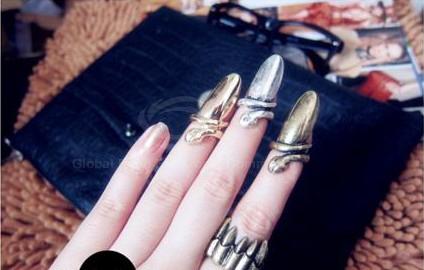 metalowe nakładki na paznokcie pierścionki