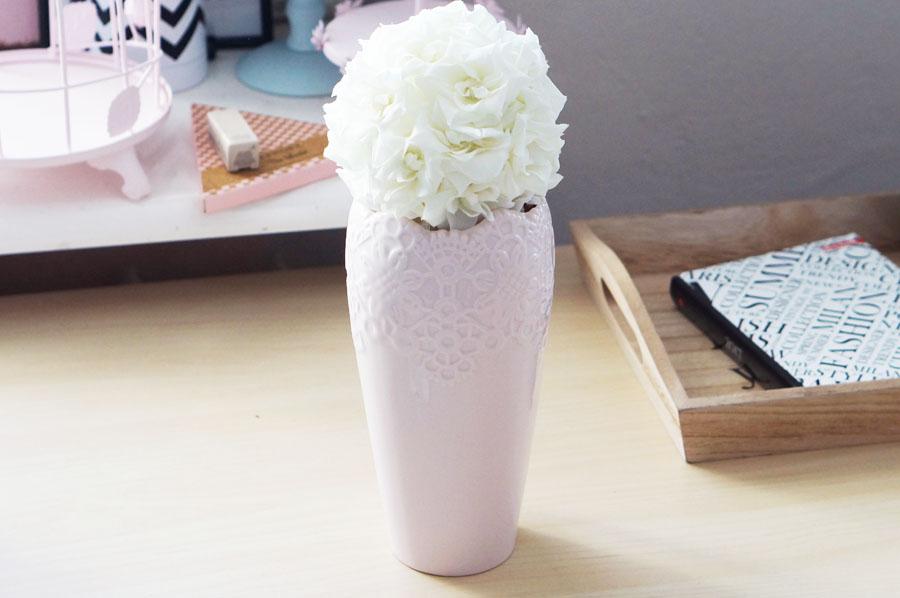 kula-biale-roze-netto