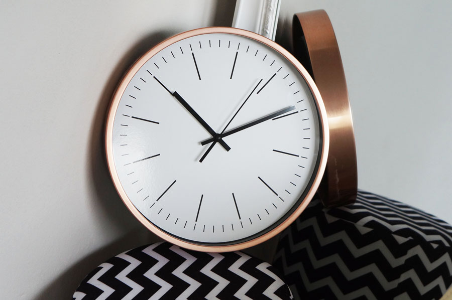 metalowy-zegar-biedronka