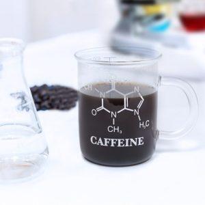 kubek-ze-wzorem-chemicznym-kofeiny-prezenty-pl_7335-08a8d836