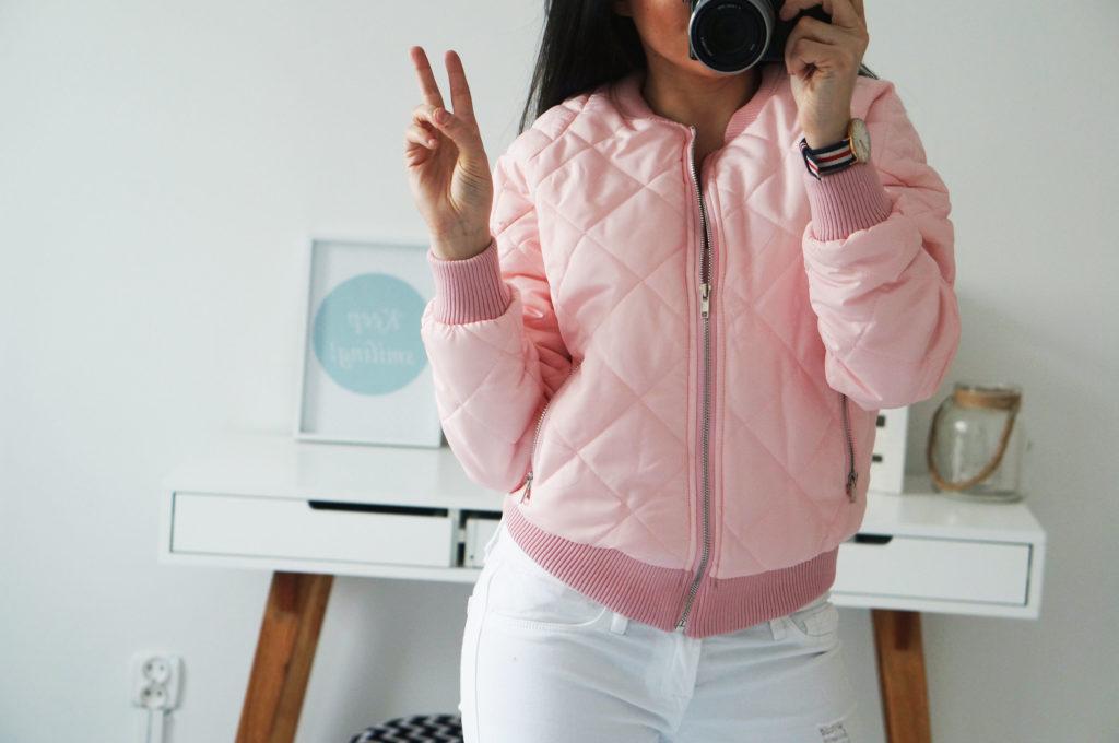 różowa kurtka pikowana