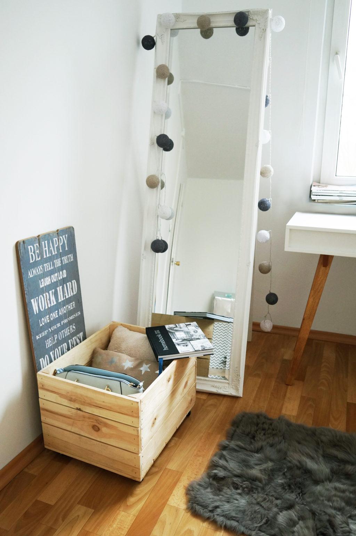 lustro stojące białe