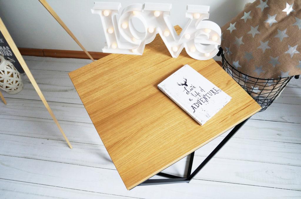stolik drewniany skandynawski