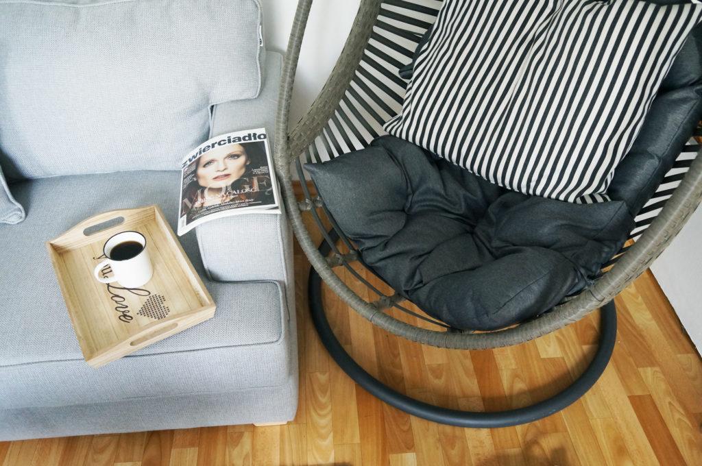 wiszący fotel do salonu