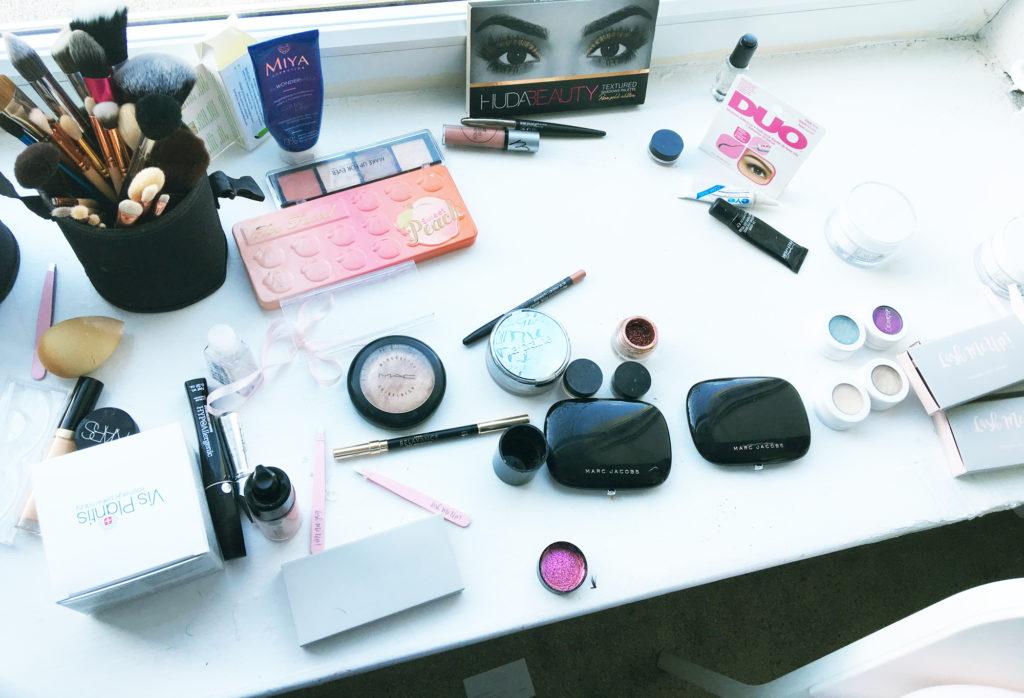 kosmetyki do makijażu selfie