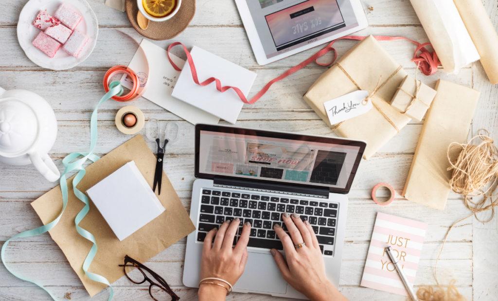 jak prowadzic bloga i zarabiac