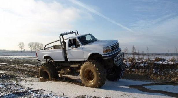 prezent dla chłopaka jazda monster truckiem