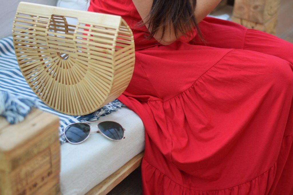 sukienka czerwona z falbanami